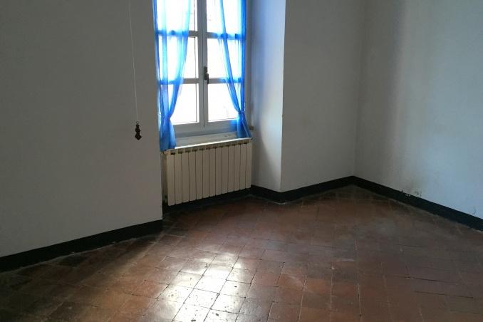 Savona ampia metratura all 39 ultimo piano - Conviene comprare casa all ultimo piano ...